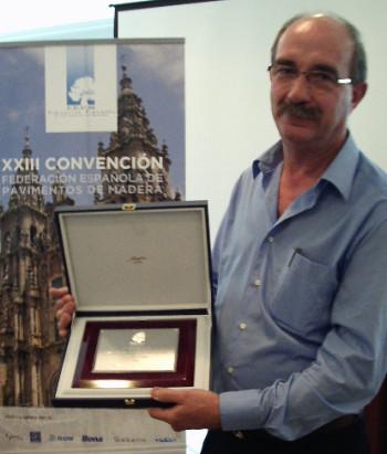 http://cdn.complepark.es/complepark/2015/02/premio-350x411.jpg